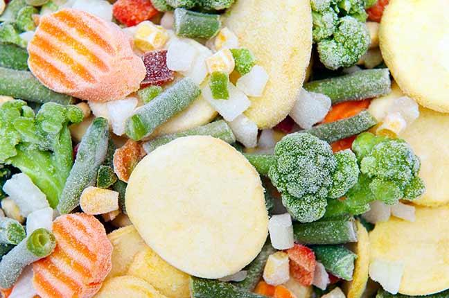 Como descongelar alimentos em potes plásticos