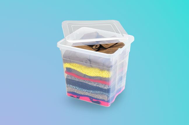 Caixa Plástica para organizar guarda-roupas